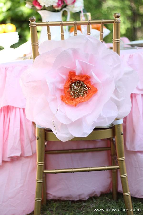 C mo hacer flores de papel gigantes pequeocio - Como se hacen flores de papel ...