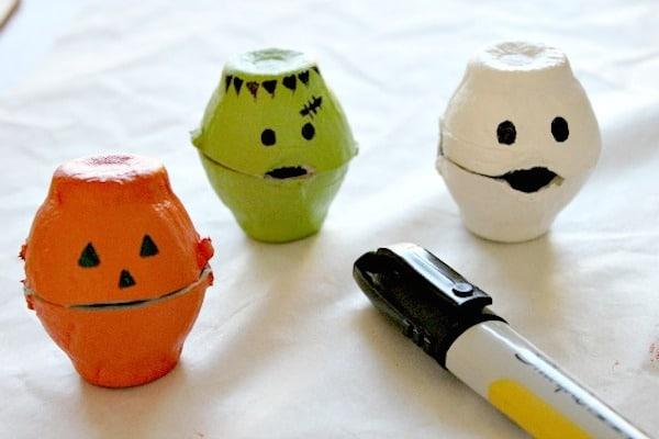 5 manualidades de halloween monstruos divertidos pequeocio On halloween manualidades