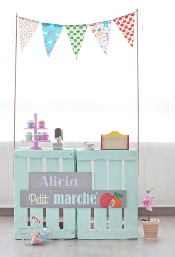 Juegos infantiles tiendas de juguete caseras pequeocio for Caja de colores jardin infantil