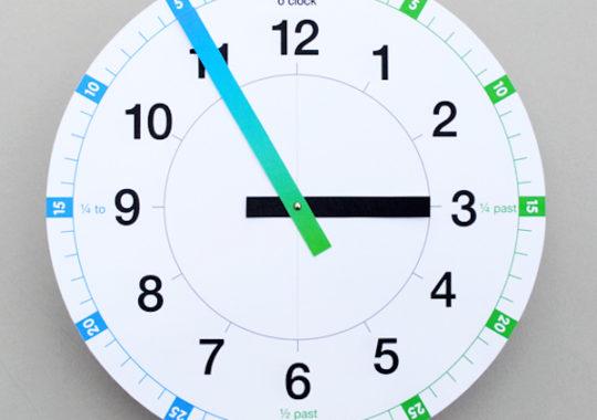 Manualidades infantiles para aprender la hora