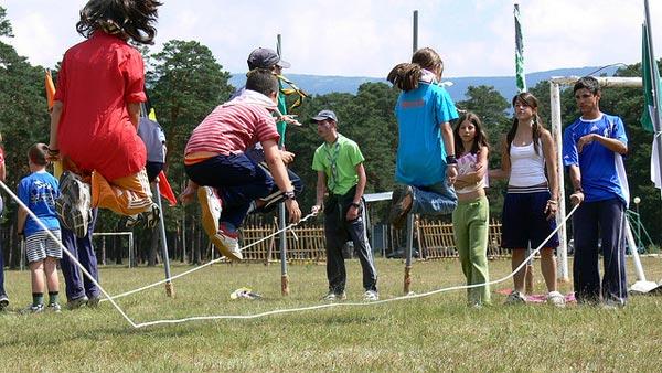 Juegos tradicionales: saltar a la comba