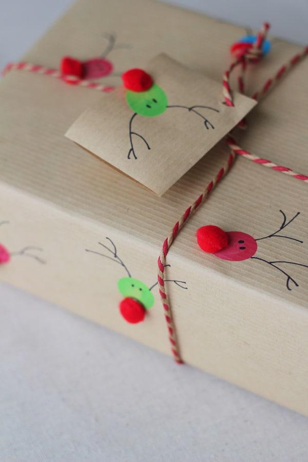 10 ideas para envolver regalos de navidad pequeocio - Envolver regalos de navidad ...