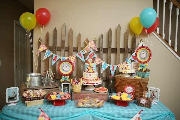 dbf218ff01d02 Fiesta de primer cumpleaños de picnic. Fiestas infantiles