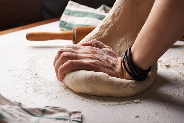 como hacer masa de pizza casera