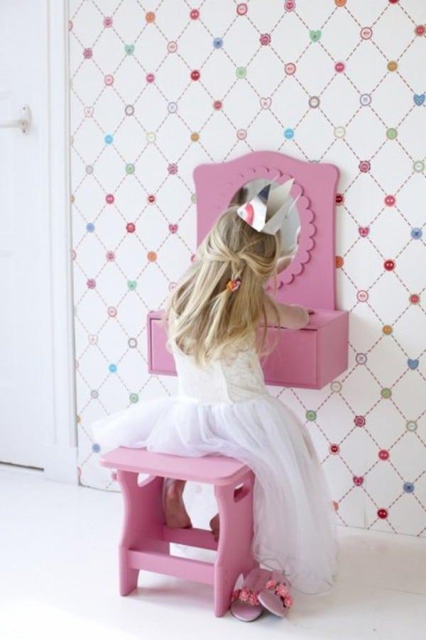 Muebles infantiles c mo hacer un tocador para jugar - Pegatinas pared infantiles ikea ...