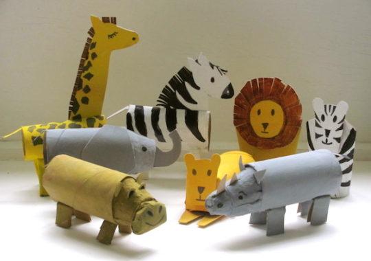 Animales con rollos de papel
