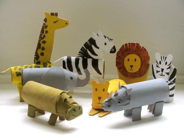 Juego-el-beso-safari-viaja-sin-salir-de-casa-animales-rollo-papel-higienico