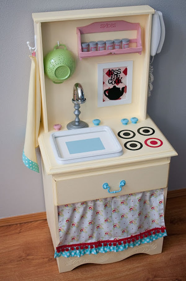 5 cocinitas de juguete caseras pequeocio - Cocina de juguete step 2 ...