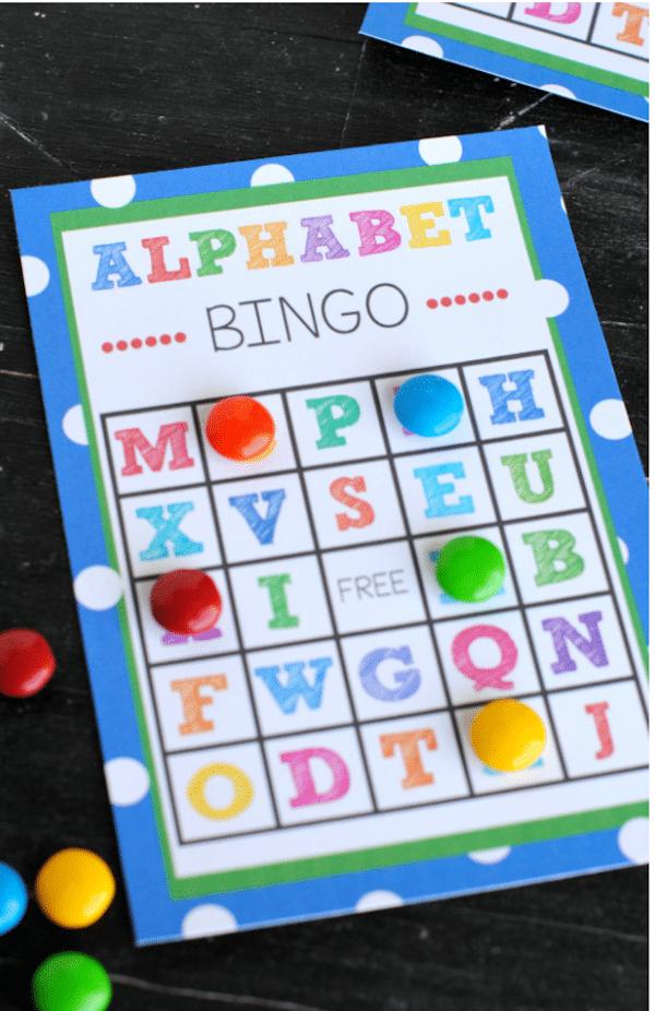 Manualidades infantiles para aprender las letras pequeocio for Aprendiendo y jugando jardin infantil