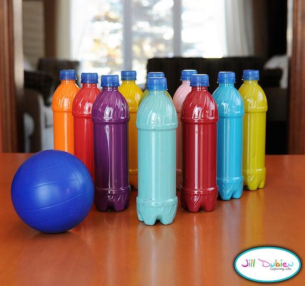 5 manualidades recicladas con botellas para jugar - Manualidades pequeocio ...