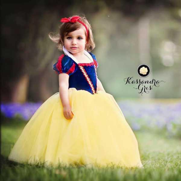 Disfraz casero para niña de Blancanieves