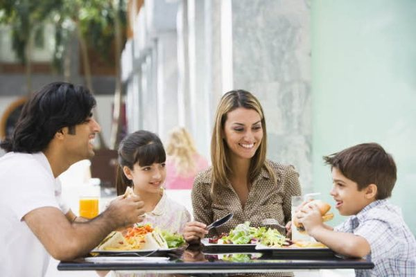 Comida feliz en familia: consejos