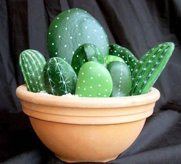 Piedras pintadas c mo hacer cactus pequeocio for Piedras pintadas a mano paso a paso
