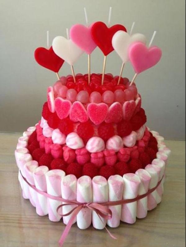 C mo hacer tartas de chuches pequeocio for Tortas decoradas sencillas