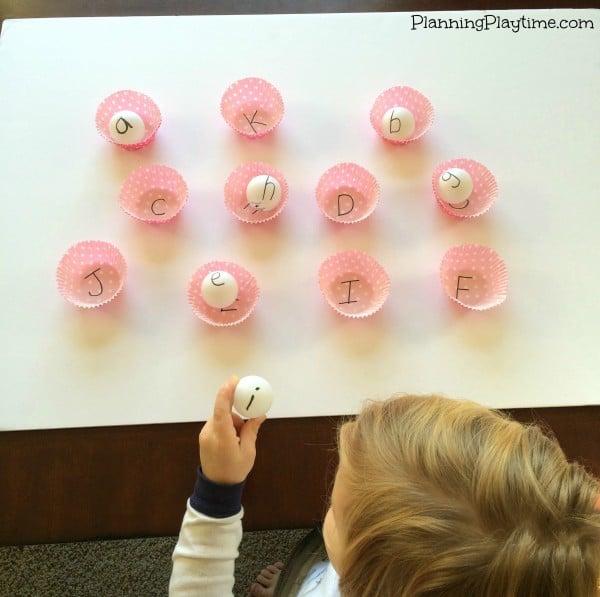 Manualidades infantiles para aprender las letras