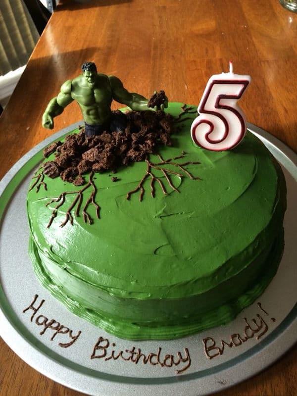 Easy Birthday Cake Ideas For One Year Old Boy : 8 tartas faciles de superheroes - Pequeocio
