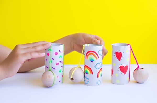 5 Manualidades Recicladas Con Rollos De Papel Pequeociocom - Manualidades-rollos-papel