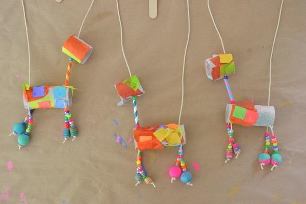 5 manualidades recicladas con rollos de papel pequeocio - Manualidades pequeocio ...