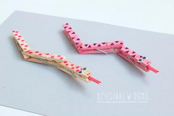 Manualidades infantiles: serpiente de pinzas