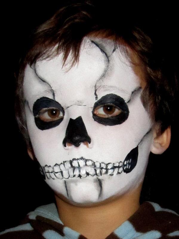 03-maquillaje-Halloween-calavera