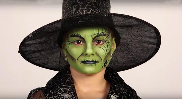 Pinturas de cara de bruja de Halloween sexy