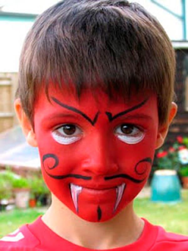 Los maquillajes de halloween m s terror ficos for Cara pintada diablo