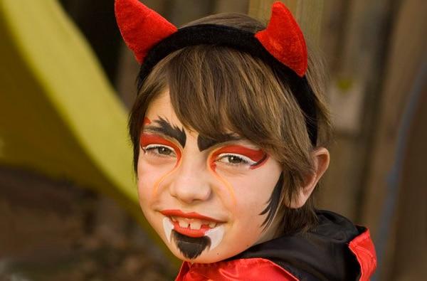 24-maquillaje-Halloween-diablo