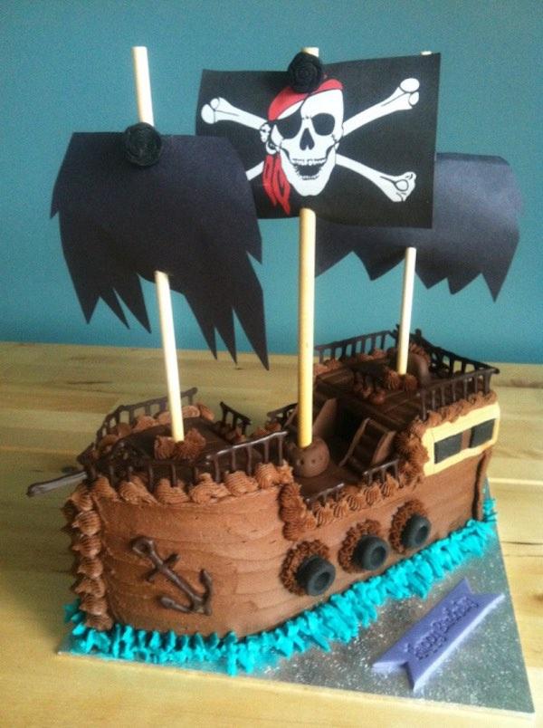 Tarta de barco pirata para un cumpleaños infantil 6