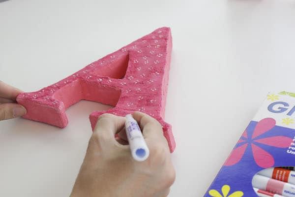 Letras de cartón en 3D para decorar 1
