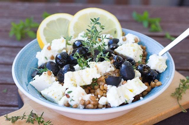 como hacer ensalada griega de legumbres