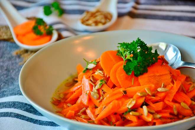 ensalada de zanahorias aliñadas