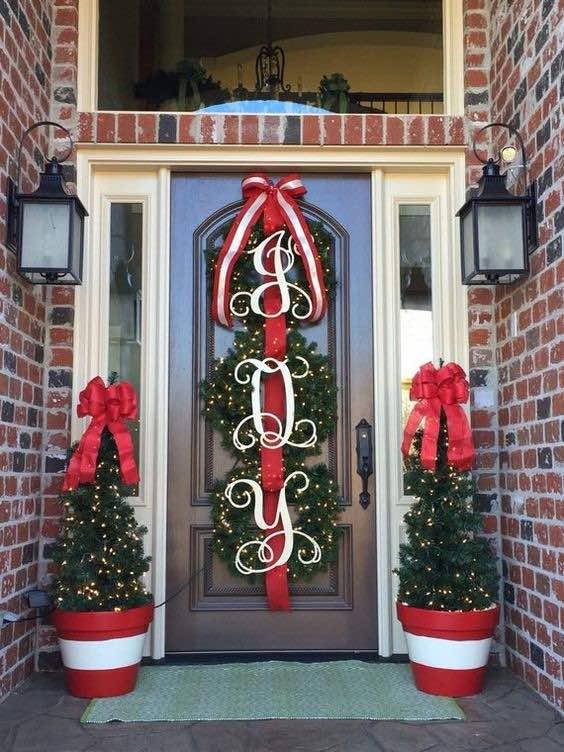 Cómo decorar la puerta para Navidad