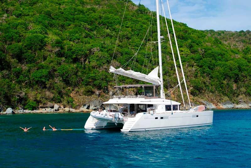 alquiler de catamarán para vacaciones