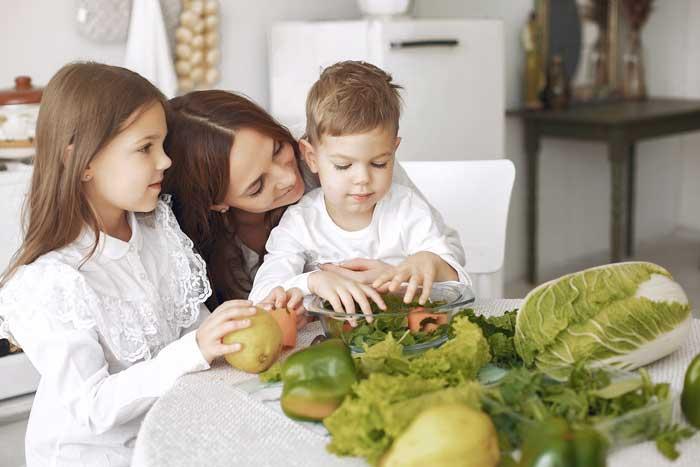 enseñar a los niños a comer bien y sano