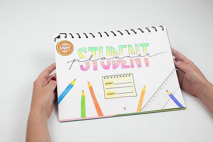 Cómo hacer un calendario escolar de pared 15