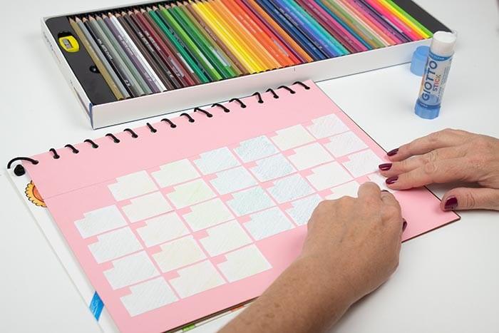 Cómo hacer un calendario escolar de pared 12