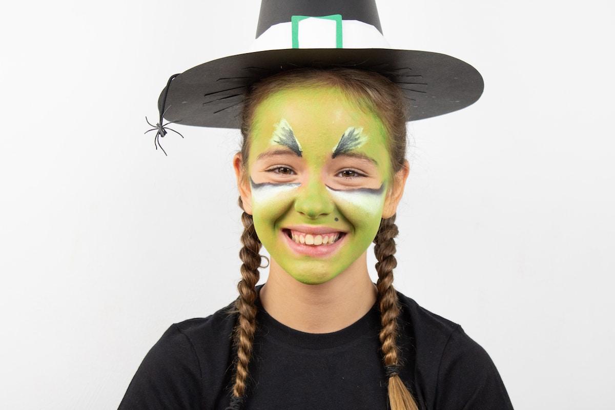 Maquillaje infantil de BRUJA con Giotto Make Up 10