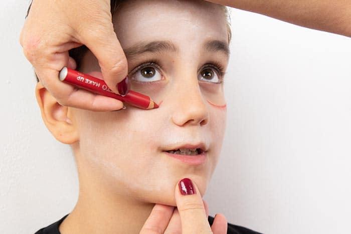 Maquillaje infantil de VAMPIRO con Giotto Make Up 6