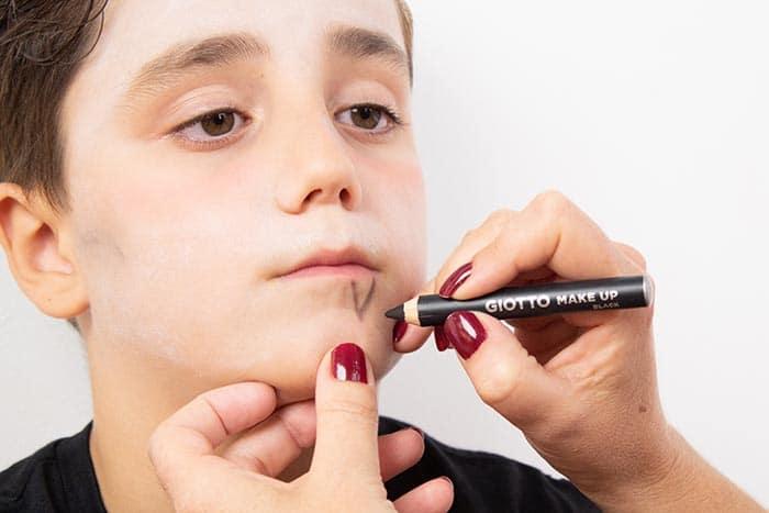 Maquillaje infantil de VAMPIRO con Giotto Make Up 8
