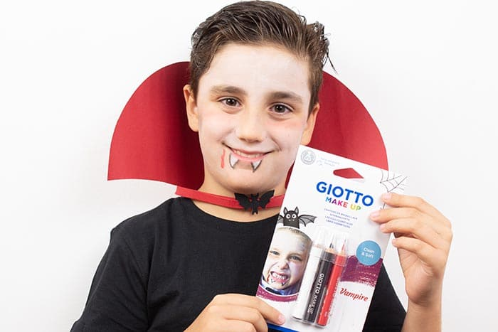 Maquillaje infantil de VAMPIRO con Giotto Make Up 2
