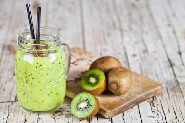 como hacer smoothie de kiwi