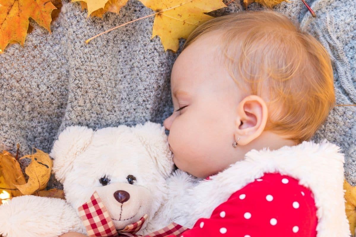 como cuidar bebés en otoño