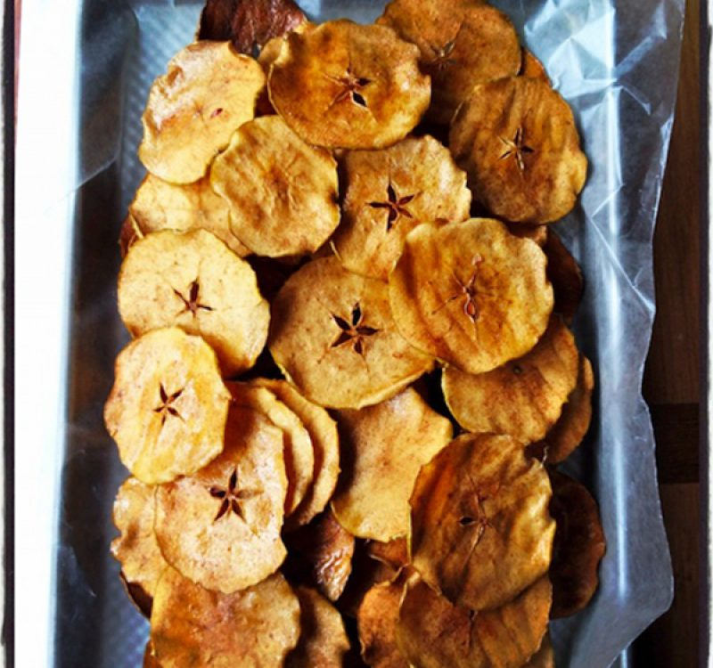 Chips de manzana con azúcar y canela