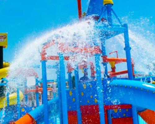 Aquavelis parque acuatico torre del Mar